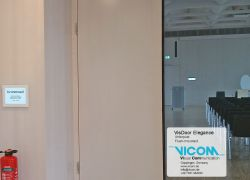Digital VICOM door sign for meetings